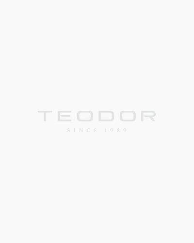 Вталена риза в синьо от жакардов материал 02