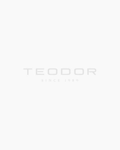 Вталена риза в синьо от жакардов материал 03