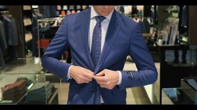 Вратовръзки и костюми - тенденции и комбинации